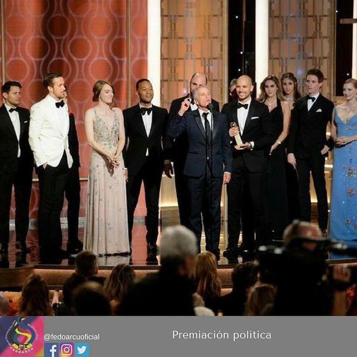La película La La Land marcó un récord el domingo por la noche en los Globos de Oro pero los siete premios para el filme resultaron una mera atracción secundaria ante la elocuencia de la agasajada Meryl Streep.  La actriz supo encapsular los temas dominantes de esperanza inclusión y acción ante la ira por la inminente presidencia de Donald Trump. Ustedes y todos nosotros en esta sala realmente somos parte de los segmentos más vilipendiados de la sociedad estadounidense en estos momentos dijo…
