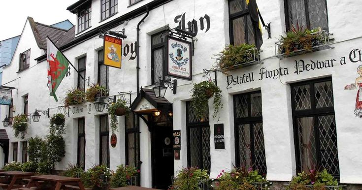 Find out what our reviewer thought of the Black Boy Inn, Caernarfon