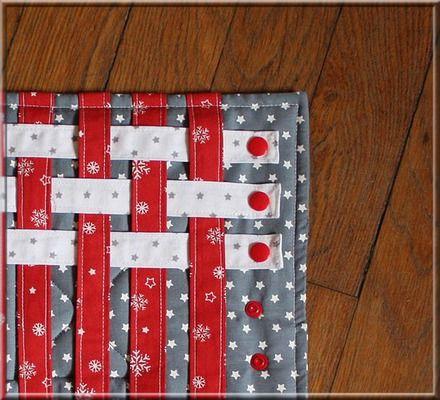 Montessori tissage version couture pour la motricité fine des enfants.