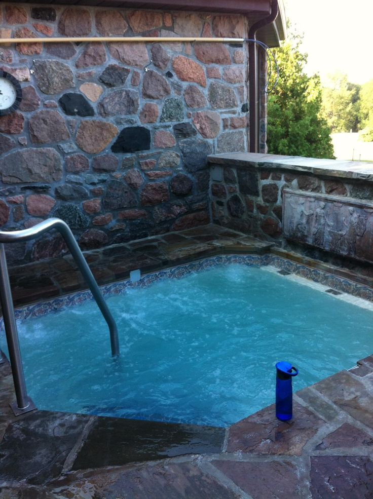 Hot tub - Ste Anne's Spa