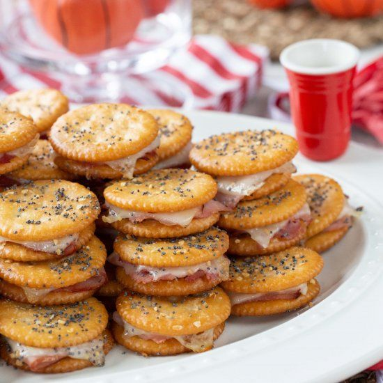 These mini party sandwiches are a spin on the popu…