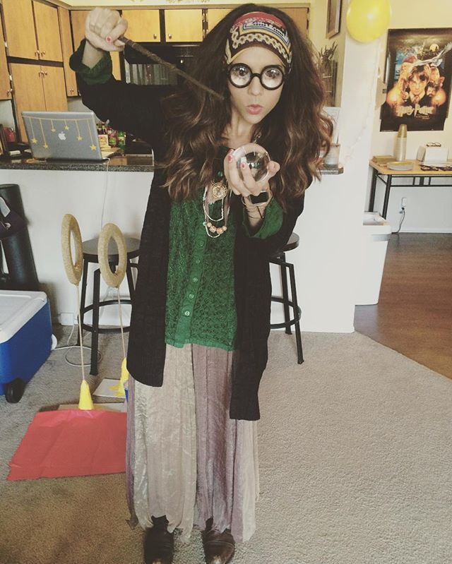 24 Costume Ideas For Girls With Glasses Professor Trelawney From Harry Potter