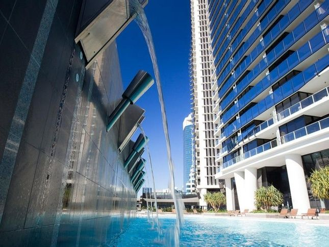 Circle on cavil 1 bed plus study, a Surfers Paradise Apartment | Stayz
