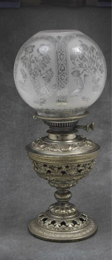 Double burner English parlor lamp with etched glass shade