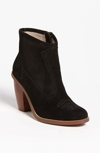 I don't like the bottome brown but I like the shoe