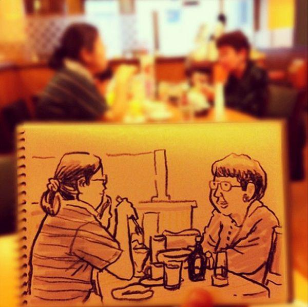 Oggi vi parliamo di Hama-House, artista e illustratore giapponese che quando non è a lavoro, crea dei bellissimi sketch di vita quotidiana. Il risultato è fantastico.