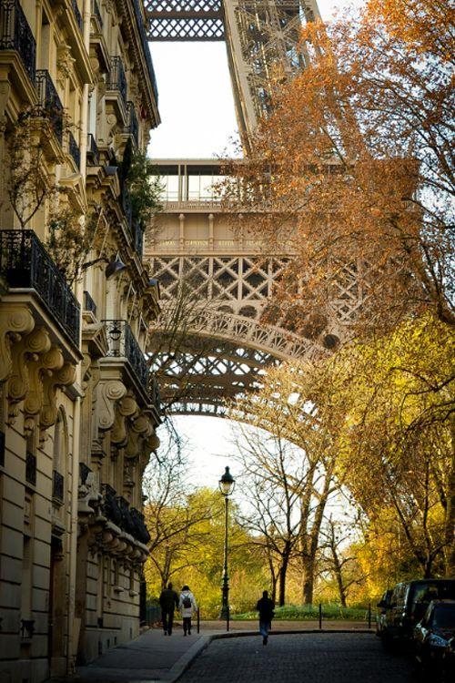 Romantic Paris.I want to go see this place one day.Please check out my website thanks. www.photopix.co.nz