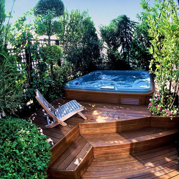 17 best images about hot tub ideas on pinterest cedar for Jacuzzi d exterieur