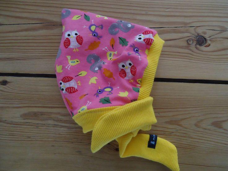 miniMüller-Mütze für Neugeborene und kleine Babys. Weich und warm, Jerseystoff zum Wenden, ideal für den Herbst.