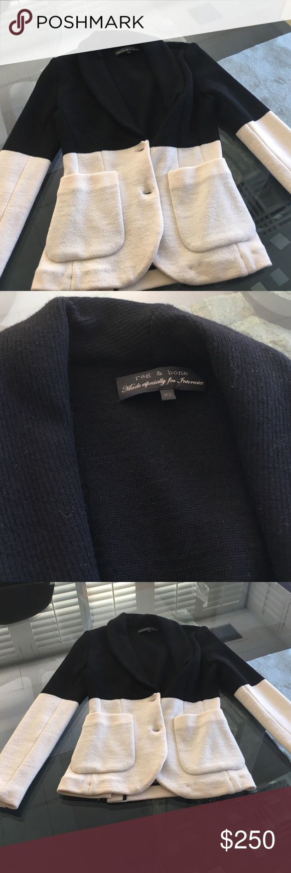 Rag and bone stylish blazer! Two toned rag and bone blazer! Perfect to pair with jeans and a heel, or to dress up with a stylish dress! (Never worn) rag & bone Jackets & Coats Blazers