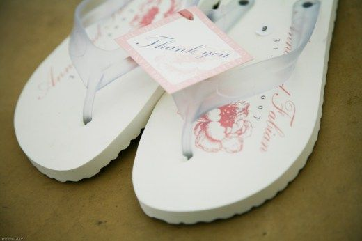 wedding-favor-flip-flops-excellent