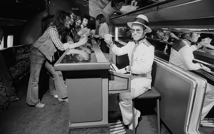 During the 1974 US tour Elton John warmed up in a private Boeing jet complete with piano bar. #luna2life www.luna2.com