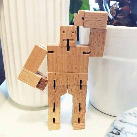 Dazed and confused - cubebot