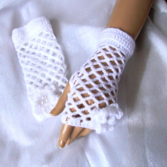 Hand Crocet Lace gloves  White Fingerless Gloves Holiday by Pasin, $32.00