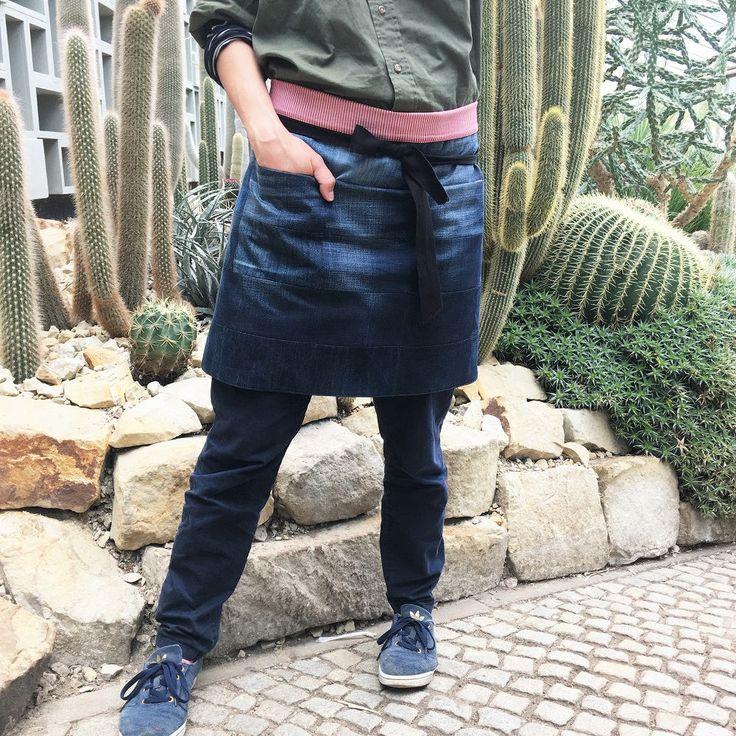 Patchwork waist apron - gardening apron - barista apron - dark-blue upcycled denim apron -red-white striped cotton lining - seamless pockets by kiudkiud on Etsy
