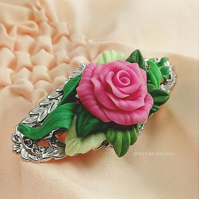 🌹 ° • ° • #jewellery #rose #leaf #polymerclay #handmade #faux #flower #lace #pink #purple #white #green #bright #roses #flowers #polymer #clay #charm #pin #delicate #petals #sculpture #fimo #sculpey #cute #charming #brooch #leaves #jewelry