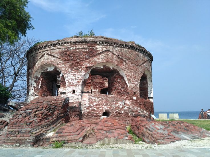 It is Benteng Marvello (Marvello Castle) at Kelor island, pulau Seribu,Indonesia.