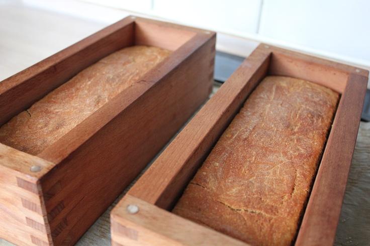 Kæmpedurumbrød i træforme