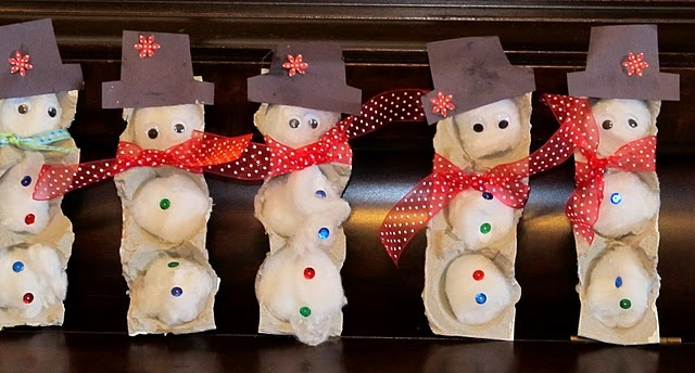 egg carton snowmen - how cute: Christmas Crafts, Winter Art, Cartons Snowmen, Snowman Crafts, Winter Crafts, Christmas Theme, Egg Cartons, Eggs Cartons Crafts, Parents Gifts