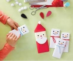 Envolver chocolates para Navidad: Santa claus