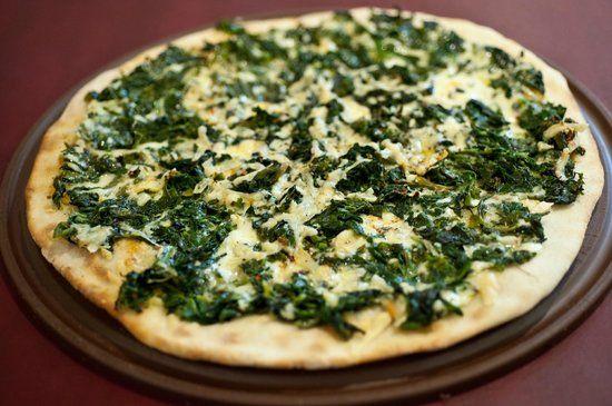 Pizza de espinacas ¡La locura de los vegetarianos!   #RecetasVegetarianas #CocinaVegetariana #ComidaVegetariana #Veggie #PizzaVegetariana #PizzaDeEspinacas #Espinacas #Pizza