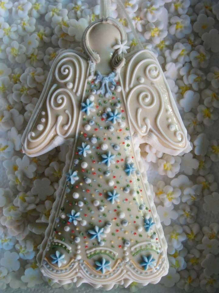Licitar angel decorated sugar cookie for Christmas, Easter. Galletas decoradas de Pascua. / Cookie Connection