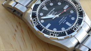 Robuste und schlichte Certina Taucheruhr mit schwarzem Ziffernblatt: http://herrenuhren-xxl.de/shop/certina-ds-action-c013-407-11-051-00-taucheruhr-robuste-analoguhr-mit-automatik-uhrwerk/