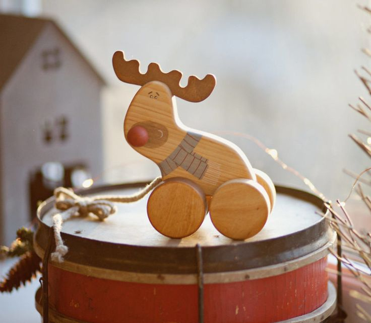 Counting Days Till Christmas With 25 Gifts From Lithuania. Advent Calendar