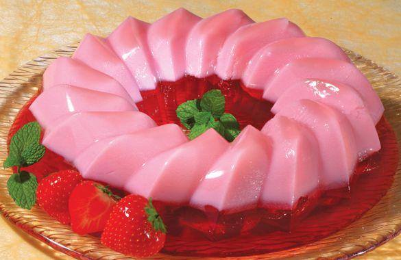 Μια πολύ εύκολη συνταγή για ένα νόστιμο ζελέ φράουλας, διαίτης με πολύ λίγες θερμίδες. Ένα δροσερό γλύκισμα που θα το απολαύσετε παγωμένο, τις ζεστές ημέρε