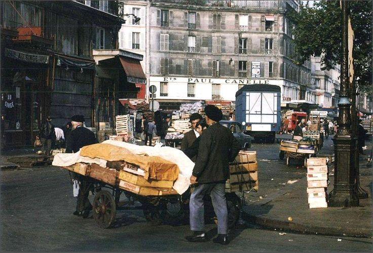 La rue Berger, tout près des Halles, en 1968. Une photo de © Martha Carroll (Paris 1er)