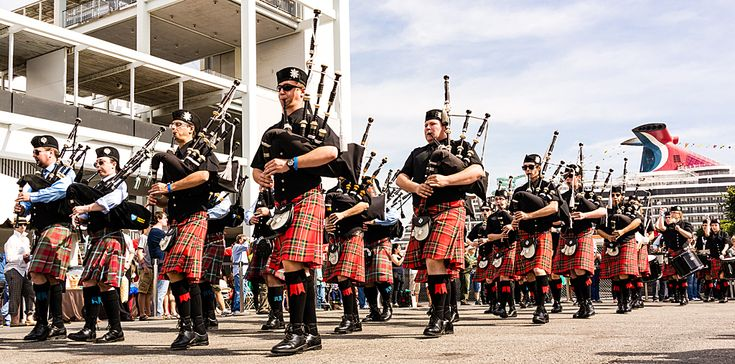 If you love seeing men and women in kilts battle it out in a test of physical strength, skill, and technique, then have we got the place for you! Big Red Bus has been partying