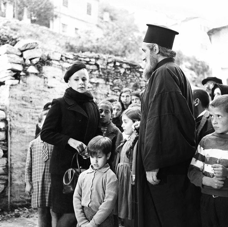 Finos Film - Photo Gallery Ταινίας: 'Η Δασκάλα Με Τα Ξανθα Μαλλιά' (1969)