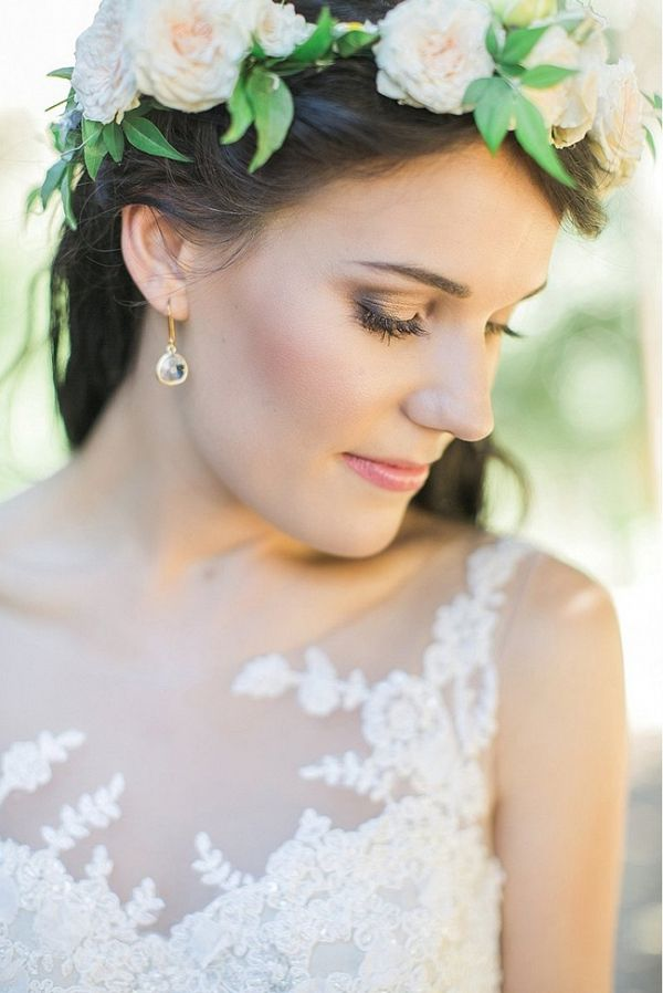 Subtle gorgeous wedding make up - Photo by Adene Photography from @SouthBoundBride via @aislesociety