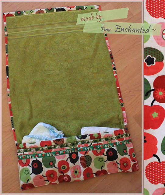 Wickelunterlage aus einem Handtuch (nur paar Bilder, ohne Anleitung)