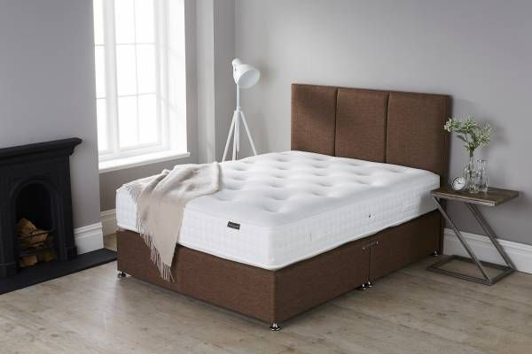 A mattress comparison is a method of pitching one or more mattresses up against the other to see which one offers a better product for a similar price. This does not say that one mattress is more 'comfortable' than the other for the end user but it should be the initial task of whittling down the choice from 4000 or so mattress models to about ten and then to your final three. Let us guide you with how to effectively compare mattresses.