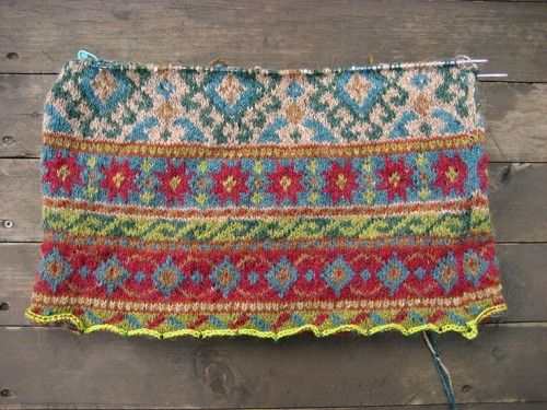 452 best Fair isle design stories images on Pinterest | Knitting ...