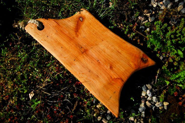Alder cutting board handicraft.