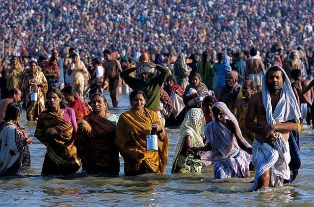 The Most Crowded Places in India: Allahabad During the Maha Kumbh Mela