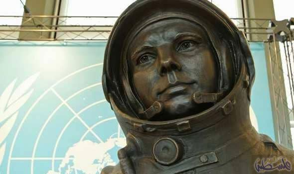 غاغارين أول رائد فضاء في العالم Buddha Statue Statue Buddha