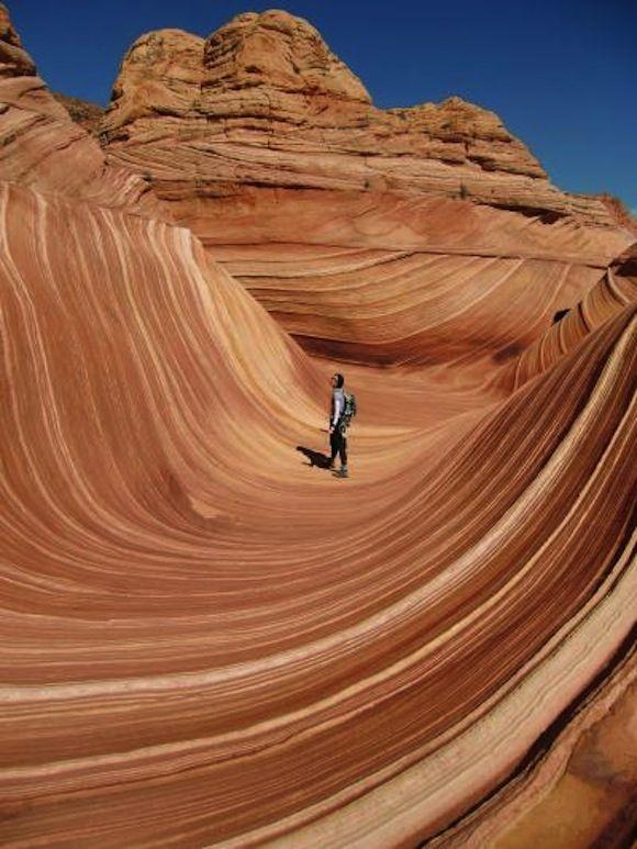世界の不思議な観光名所 アメリカ・アリゾナ州「ザ・ウェーブ」