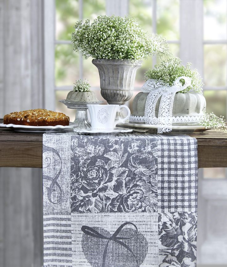 38 best romantisch gedeckte tische images on pinterest tables lovely things and tablecloths. Black Bedroom Furniture Sets. Home Design Ideas