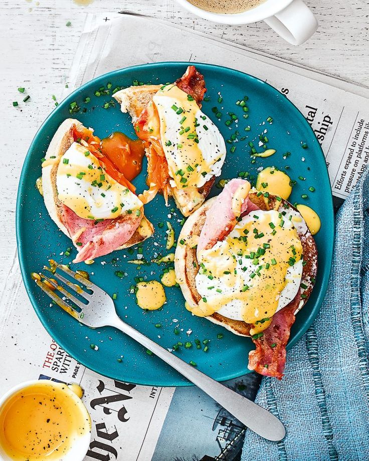 Two lightly toasted English muffin halves, good bacon, poached eggs and velvety hollandaise – Debbie Major's eggs benedict recipe is a must for all brunch lovers. Egg Recipes, Brunch Recipes, Breakfast Recipes, Mexican Breakfast, Breakfast Bowls, Breakfast Sandwiches, Breakfast Cereal, Breakfast Pizza, Breakfast Ideas