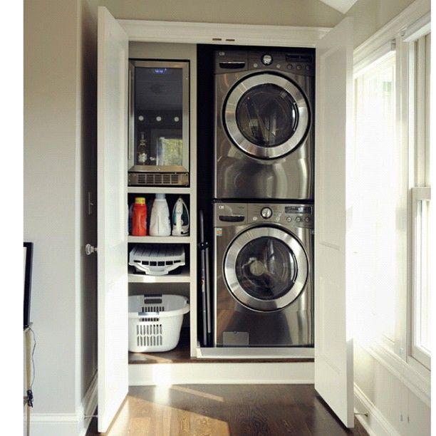 Smart! Totally hidden laundry room!