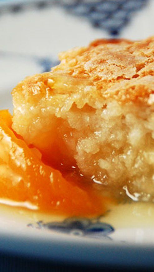 cool Dutch Oven Peach Cobbler...by http://dezdemooncooking4u.gdn