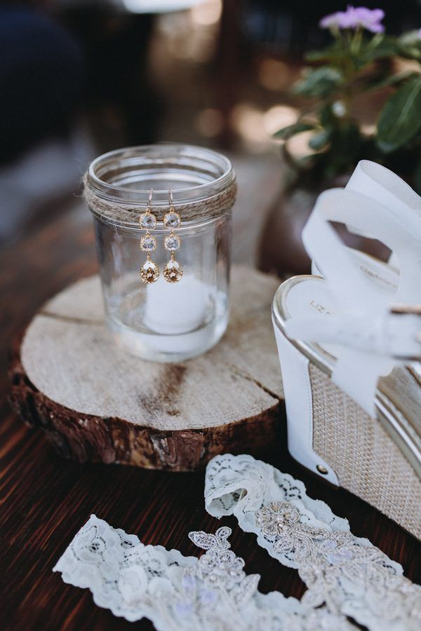 Gorgeous rustic bridal jewelry | Anni Graham Photography