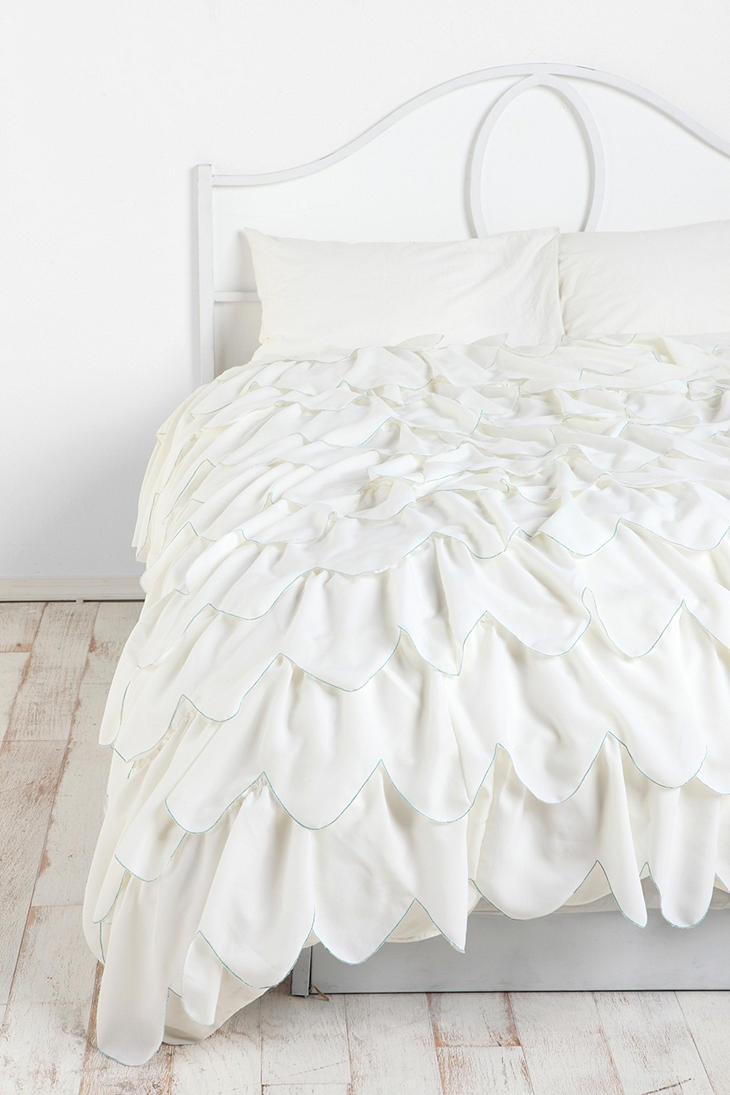 Stitched Scallop Ruffle Duvet Cover a little girly but a must have <3 i could do so much with this