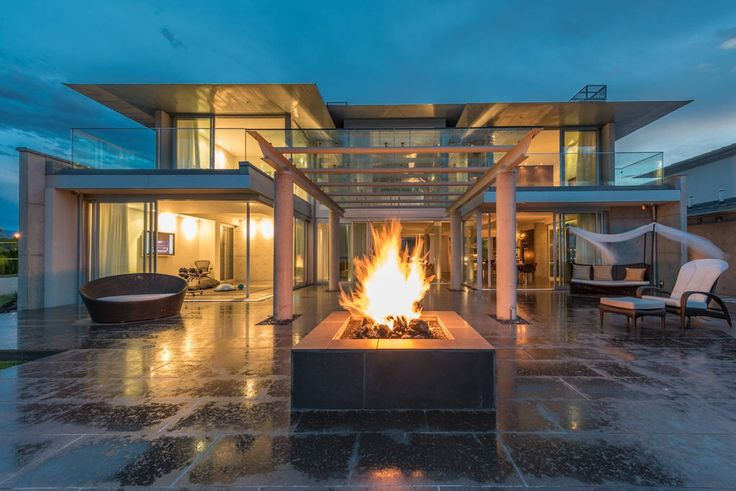 Check out this awesome listing on Airbnb: Luxury Concrete Contemporary on the Lake - Houses for Rent in Summerland