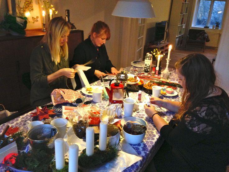 Making #christmasdecoration with the girls #christmas