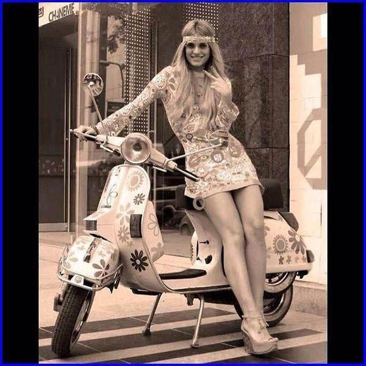 Scooter Girl Vespas 23