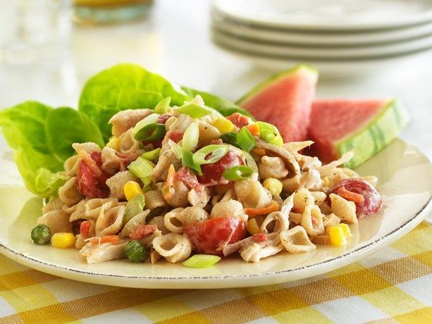 Smoky BBQ Chicken SaladBarbecues Sauces, Chicken Salads, Bbq Chicken, Hearty Chicken, Smoky Bbq, Chicken Pasta, Chicken Salad Recipe, Smoky Flavored, Pasta Salad Recipe